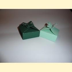 Dėžutė dovanėlei su drugeliu
