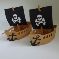 """Dėžutė  """"Piratų laivas"""""""